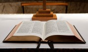open-bible-11288023214vduX